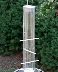 THISTLE SEED FEEDER/HEATH-395